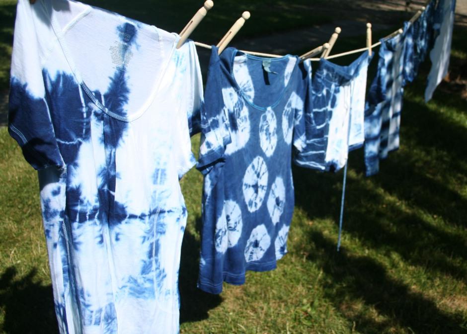 DIY Blue Indigo Tie Dye Refashion Tutorial