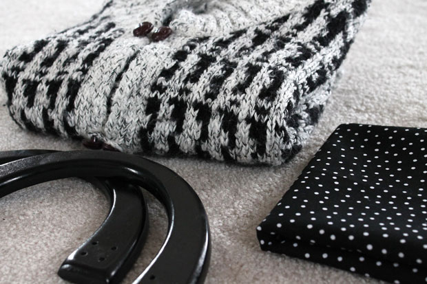 winter-sweater-tote-materials-needed