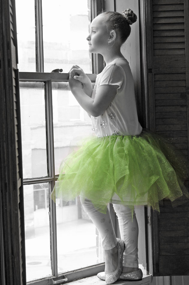 tutu-Color-Pop-window