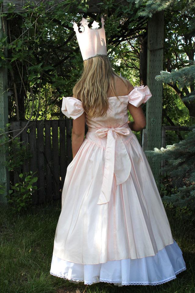DIY Glinda The Good Witch Costume