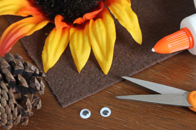 Pinecone-Turkey-materials-needed