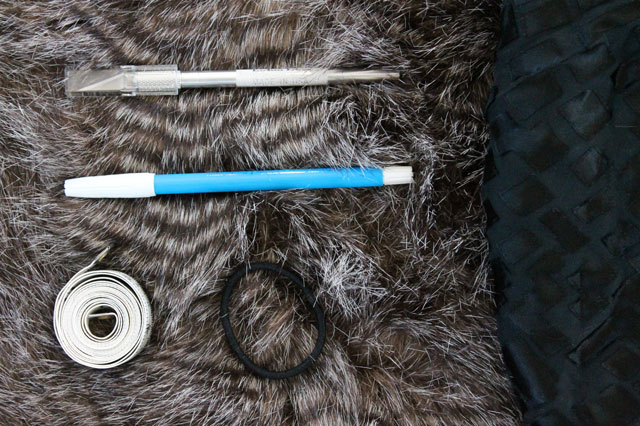 Faux-fur-cuffs-materials-needed