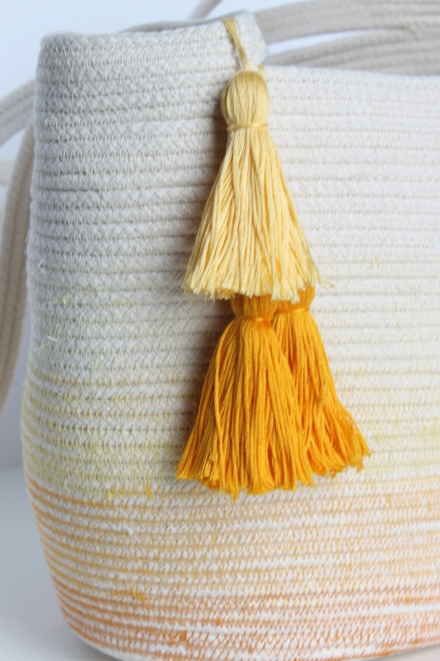 rope-bag-finished-tassels