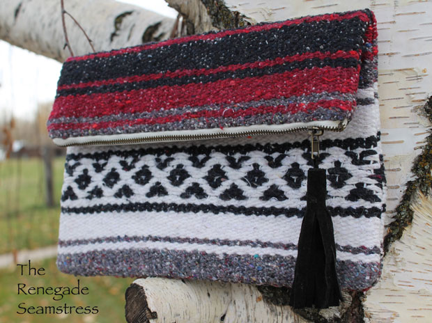 How to make an upcycled zippered clutch