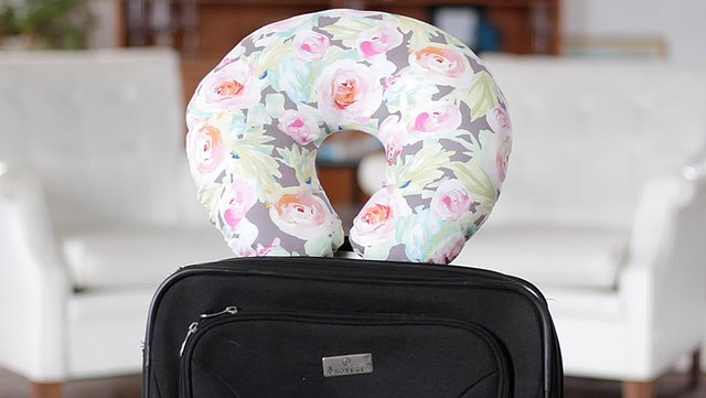 How to Make a Travel Neck Pillow