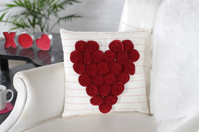 How to Make a Felt Heart Rose Pillow for Valentine's Day