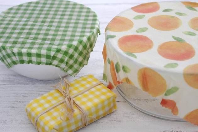How to Make Reusable Beeswax Food Wraps