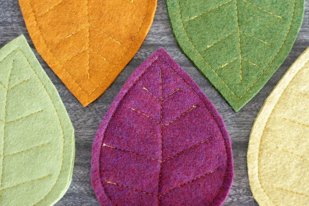 diy fall for felt leaf coasters