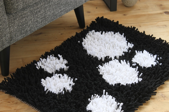 how to make a t-shirt yarn rug