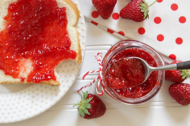 how to make and preserve strawberry jam