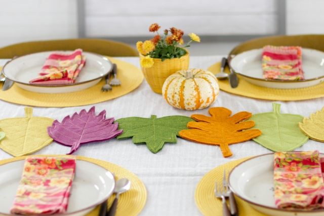 DIY Felt Fall Leaves Table Runner