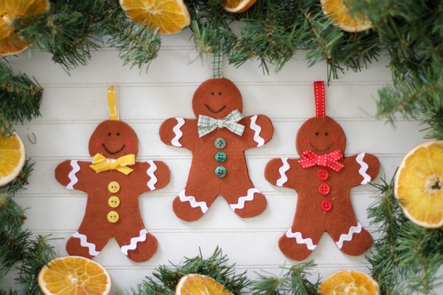 diy felt gingerbread men
