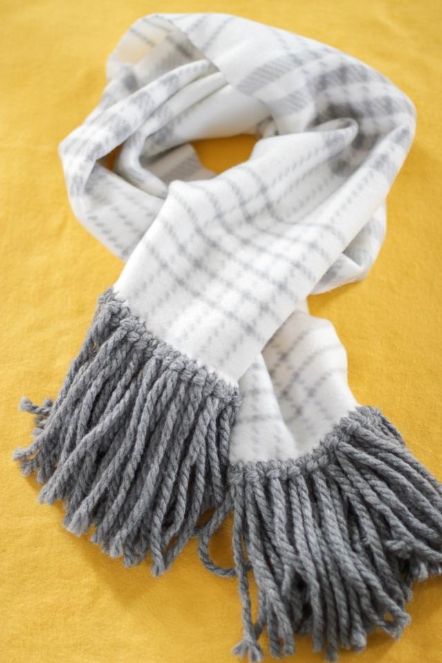 diy fleece fringe scarf