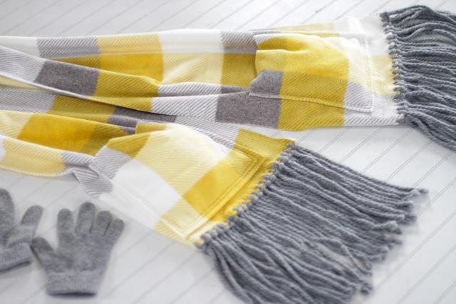 finished fleece fringe pocket scarf flat lay