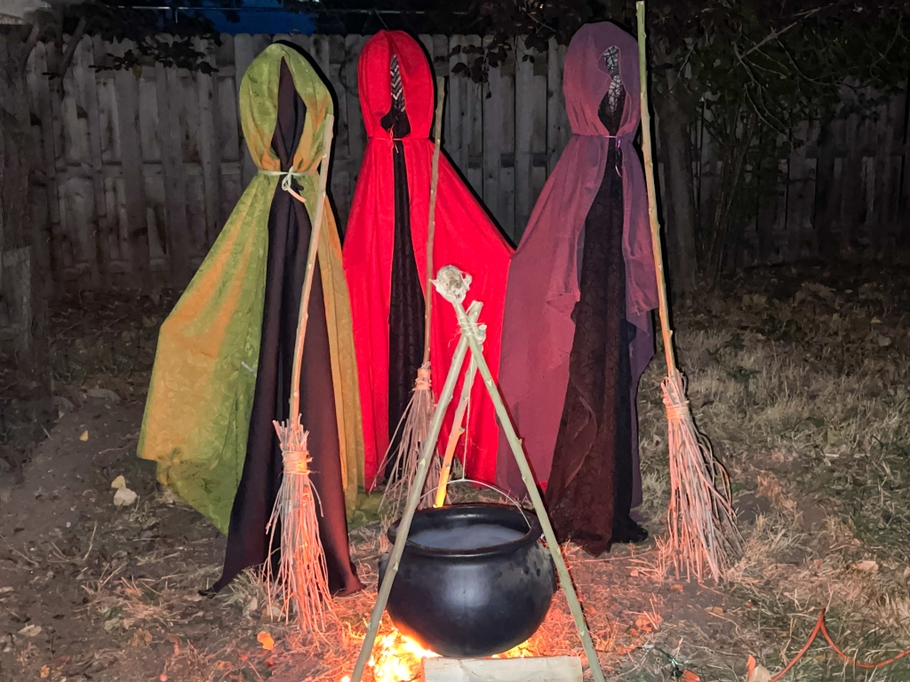DIY Life-Size 'Hocus Pocus' Witches Halloween Decoration